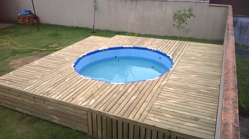 Deck para piscina de pl stico piso para piscina for Make a swimming pool out of pallets