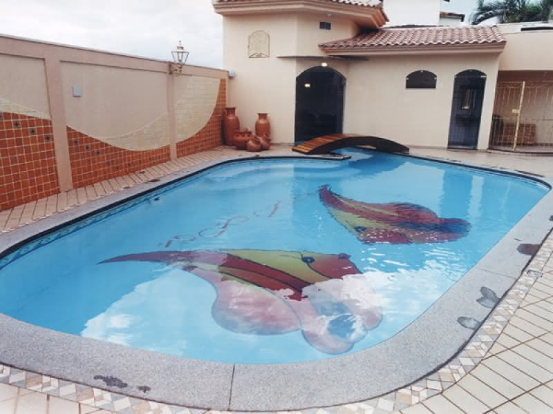 Desenhos de piscinas piso para piscina for Ver piscinas grandes