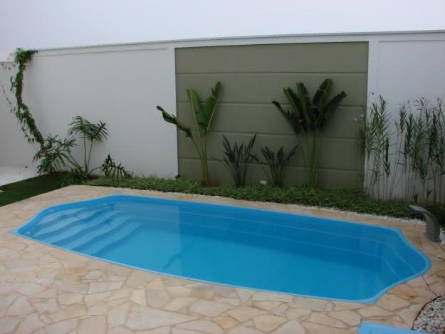 Piscinas pequenas para casas fibra alvenaria 40 modelos for Tipos de piscinas para casas