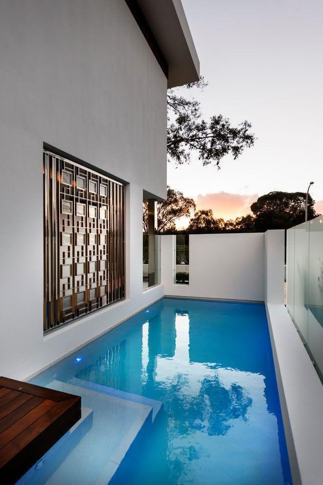 Piscinas pequenas para casas fibra alvenaria 40 modelos Fotos piscinas para espacios pequenos
