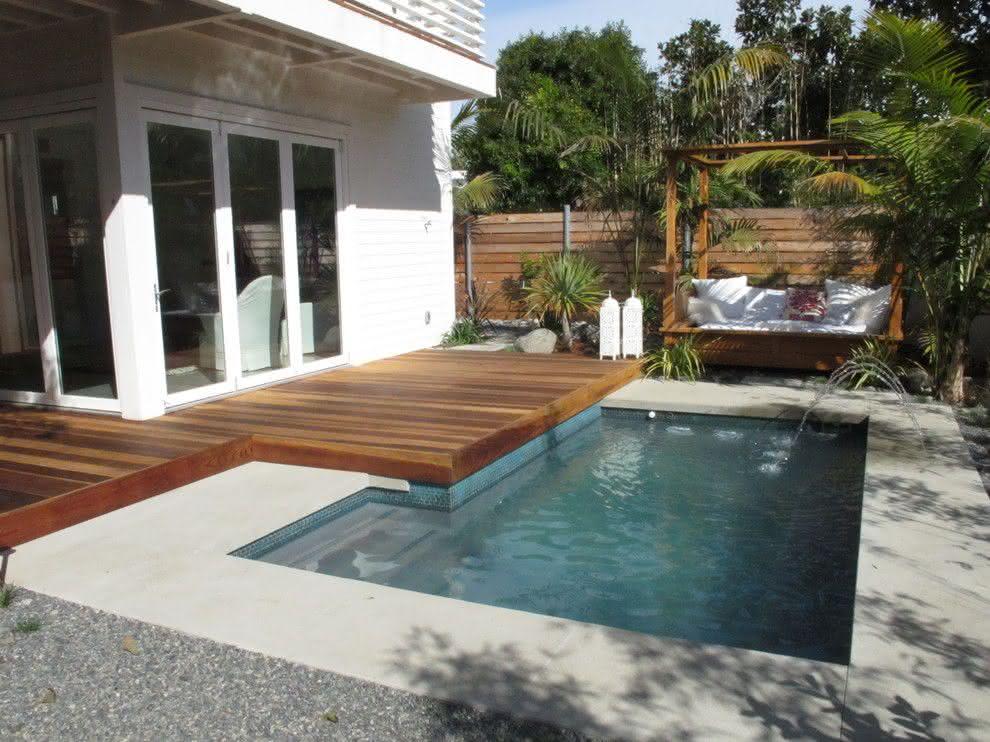 Piscinas pequenas para casas fibra alvenaria 40 modelos for Ideas para piscinas pequenas