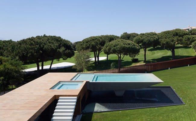 47 fotos de paisagismo para piscina e jardim residencial for Design piscine 47